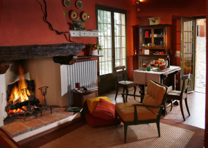 Living room in warm Tuscan colours