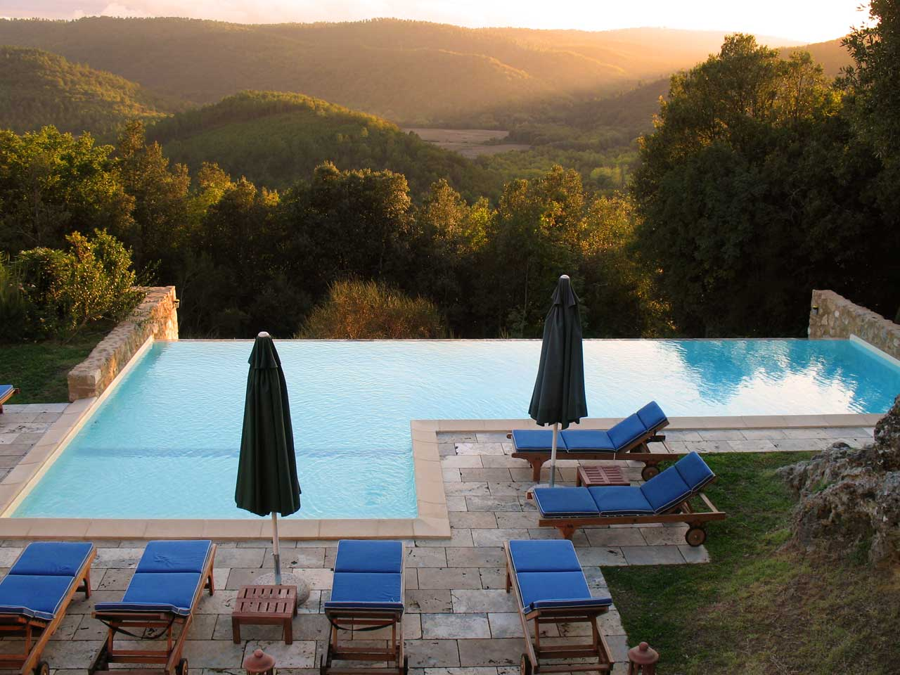 Luxury villa in tuscany with amazing pool
